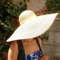 Capeline large bord couture monique