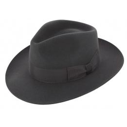 Fur felt hat